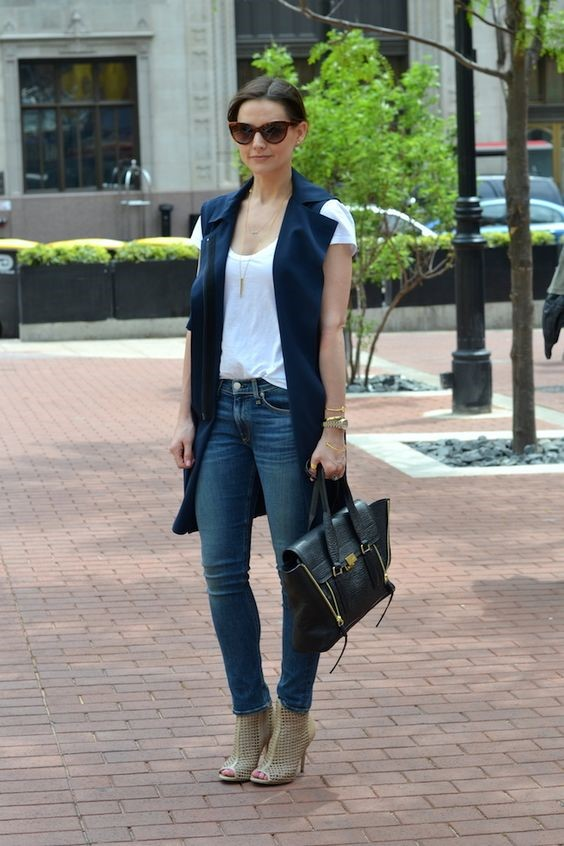 hite tee + jeans + sleeveless trench vest + shoes + long necklace: